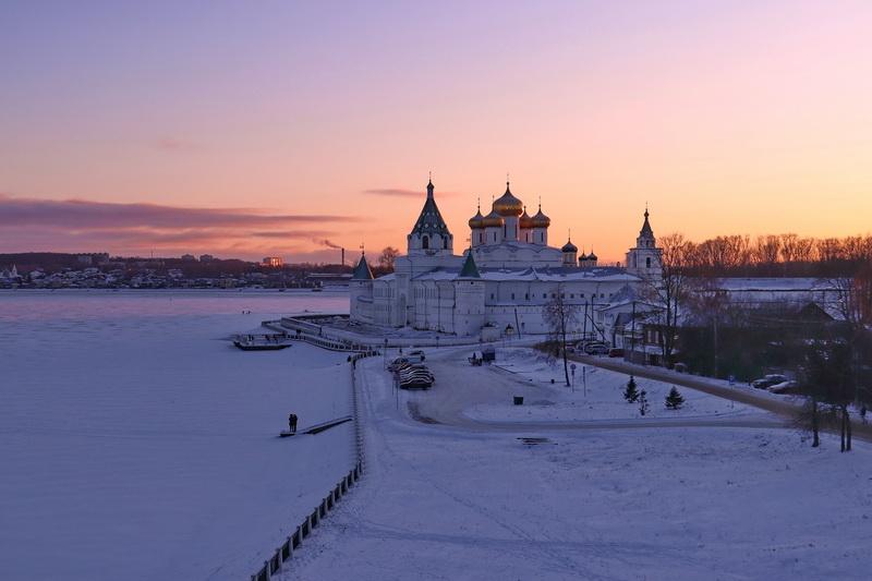 Вечер в Костроме